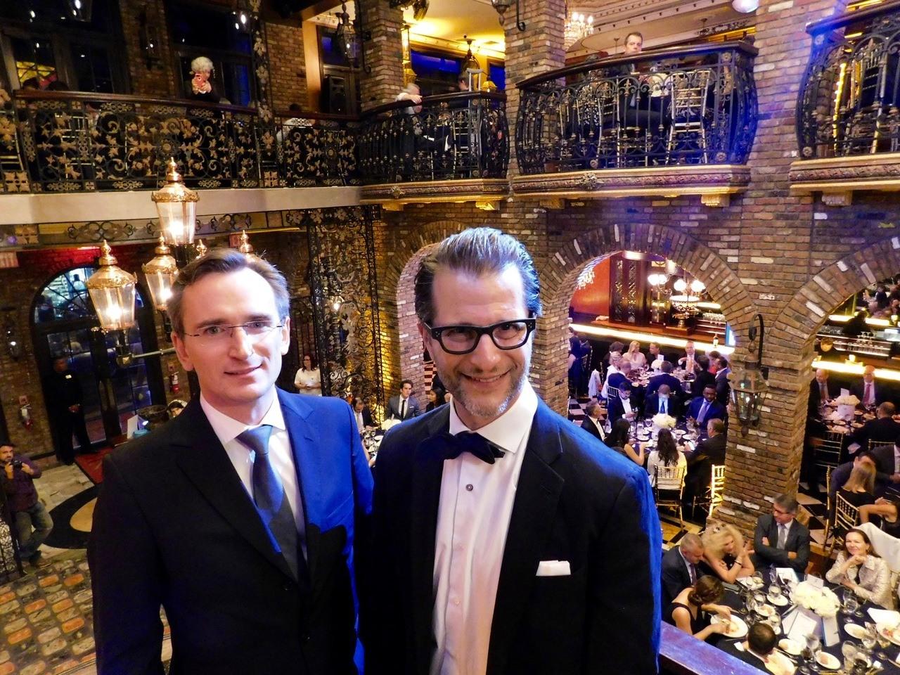 Le consul de France Clément Leclerc avec Gary Birnberg, président de la FACC Miami, lors du gala 2017 de la FACC.