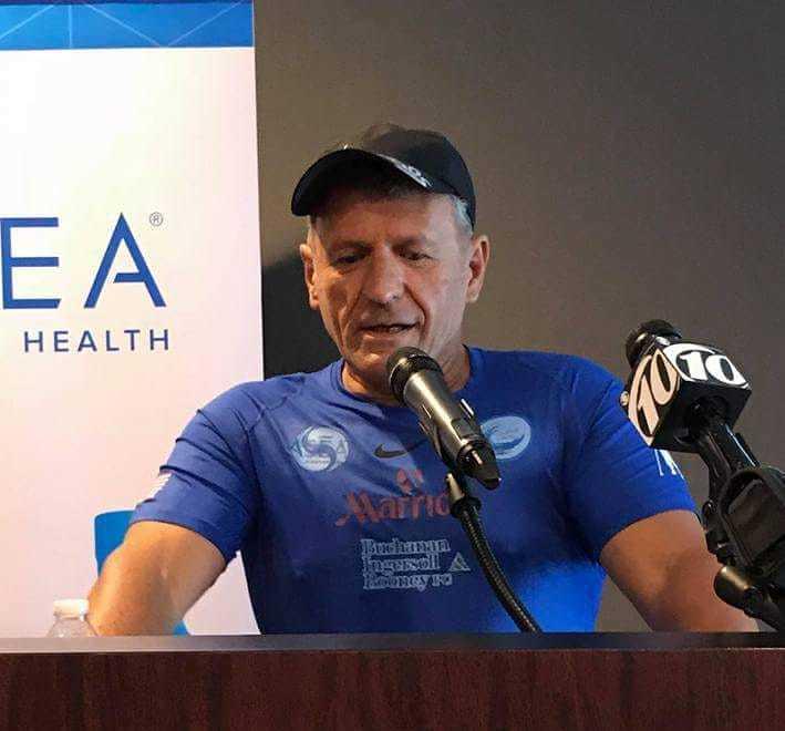 Joe Kal marche contre le handicap, actuellement en Floride : à Miami, Orlando et Tampa